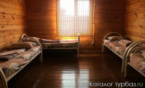комната 4-х местная с удобствами в отдельном блоке