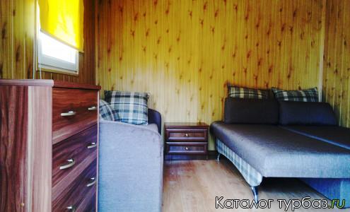 комната в летнем домике
