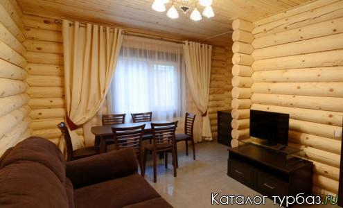 гостиная в среднем доме