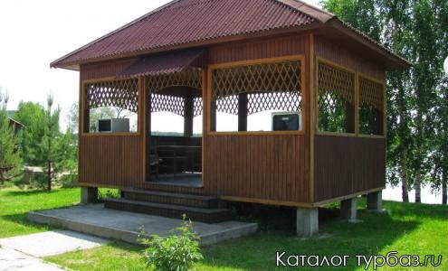 Озеро Уткуль база отдыха-беседка