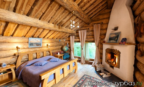 дом Три камина - спальня