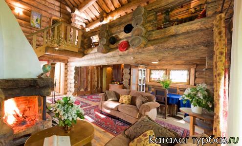 дом Три камина - гостиная