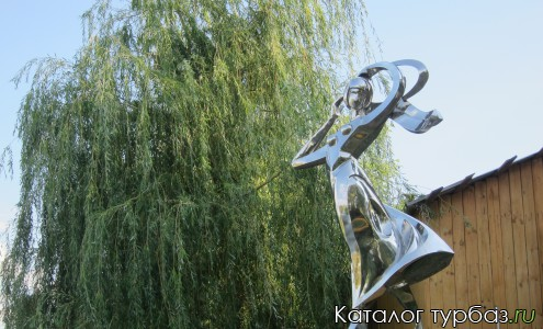 Статуя Нерестина