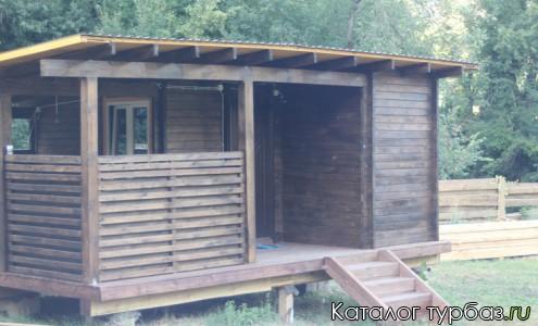 Деревянный домик с террасой Стандарт