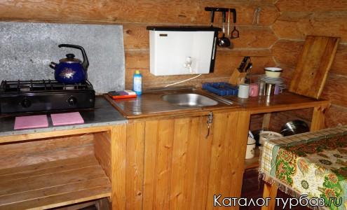 Кухня в четырехместном доме