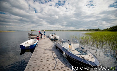 Пирс, лодки, катеры