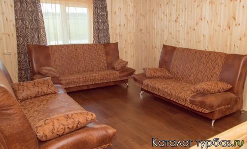 зал дома комплекса Уединение