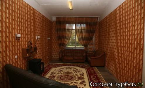 Комната отдыха с камином