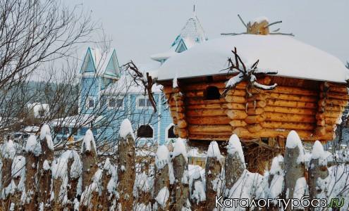 Домик Лешего и Дворец Урал Мороза