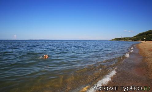 """Пляж базы отдыха в Керчи """"Свет Маяка"""""""