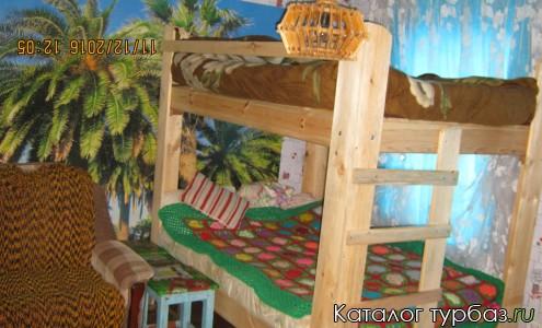 Спальня в семейном доме Зеленом доме