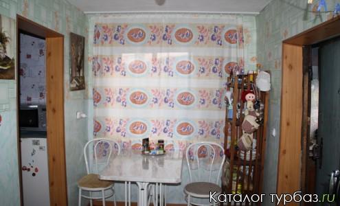 Кухня в семейном доме Зеленом доме