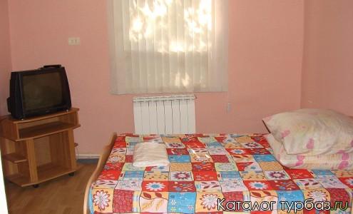 Номер п/люкс с двухспальной кроватью БО Автомобилист