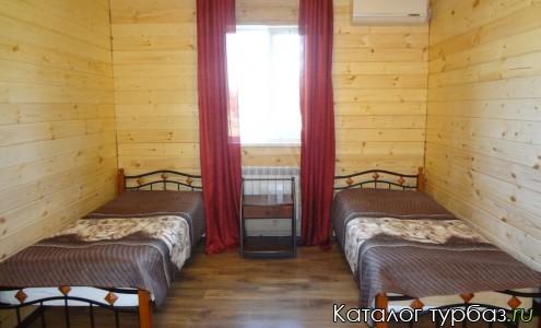 Спальня 4-х местного дома