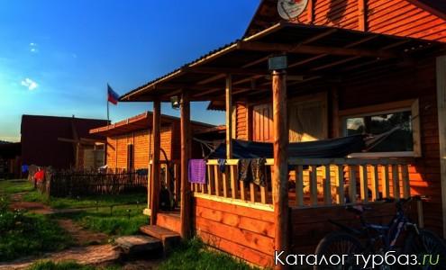 Усадьба Кирсановка у подножия Круглого озера