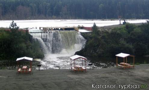 База отдыха «У водопада»