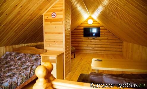 Двухэтажный гостевой дом с баней на дровах