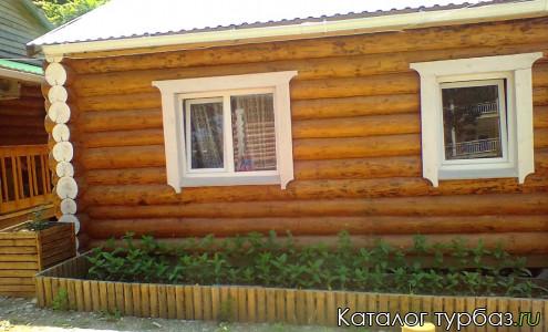 Дом на территории