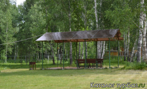 База отдыха «Домик в лесу»