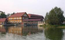 Загородный клуб «Медвежьи озера»